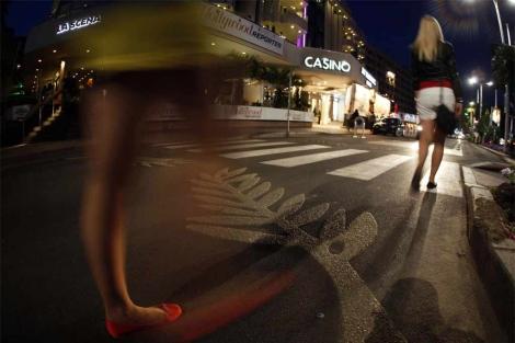La Croisette, con la palma de oro tatuada en el asfalto.   Reuters