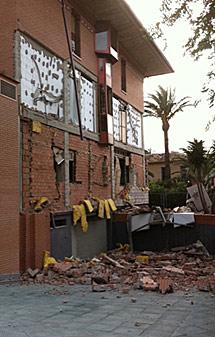 Derrumbe en una fachada. | Efe