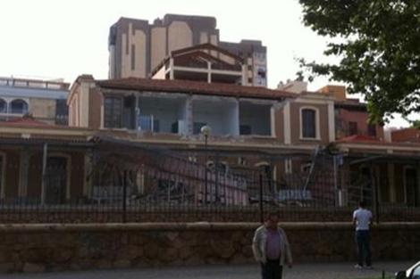 Imagen de uno de los edificios afectados, que han colgado en 'twitter'.