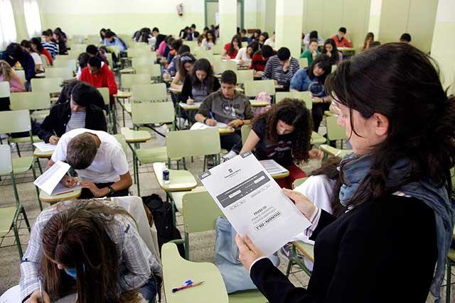 Pruebas CDI en el IES San Juan Bautista a alumnso de 3º de la ESO. | CAM