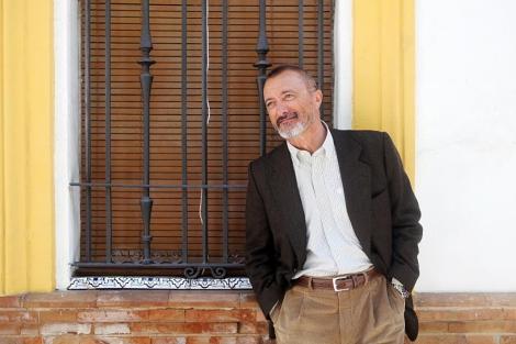 El escritor, en una imagen tomada en Sevilla el año pasado. | Conchitina
