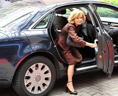 La vicepresidenta del Gobierno, Elena Salgado, a su llegada a Bruselas.   Afp