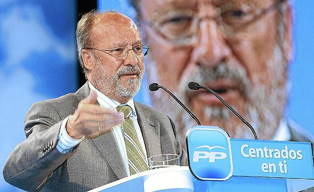 El alcalde de Valladolid, Javier León de la Riva, en un mitin electoral. | J. M. Lostau