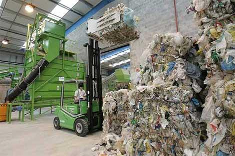 Sólo se recicla el 10% de las bolsas de plástico.| Mitxi