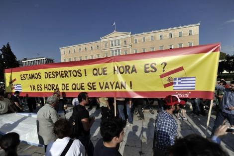 Los manifestantes 'indignados' en la plaza Syntagma de Atenas. | Afp