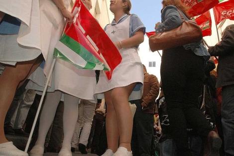 Una de las protestas protagonizada por personal de las Clínicas Pascual en Cádiz. | C. Zambrano