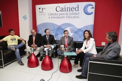 Los ponentes de las jornadas 'Dignidad online' este jueves. | J.Domínguez