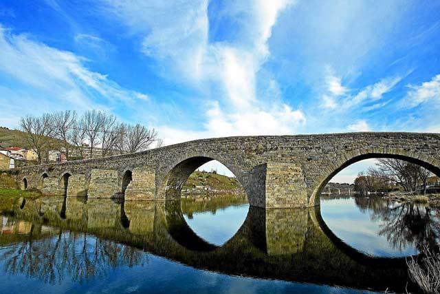 Puente sobre el Tormes en El Barco de Ávila. | IMagen Mas
