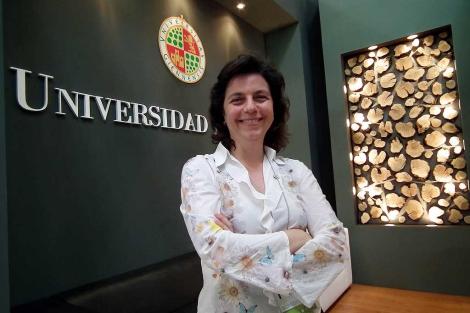 La profesora Mercedes Roldán, responsable del diccionario 'Olivaterm'. | Manuel Cuevas
