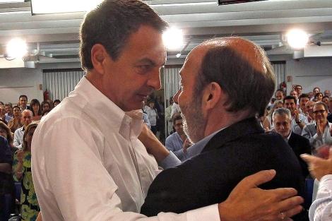 Alfredo Pérez Rubalcaba y José Luis Rodríguez Zapatero. | Efe