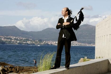 Carlos Núñez es uno de los estandartes de la música folk gallega. | Rosa González