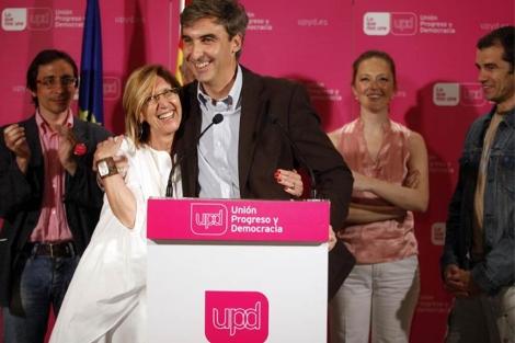 David Ortega, portavoz de UPyD en el Ayuntamiento, junto a Rosa Díez. (EM)