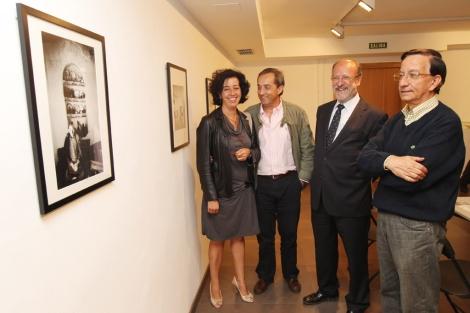 Cantalapiedra, Delibes, León de la Riva y García en la exposición.   J.M. Lostau