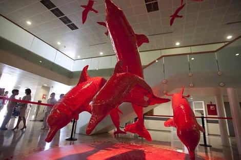 Los delfines que componen la singular escultura del Reina Sofía. | Madero Cubero