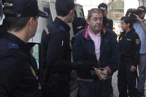 El empresario, en mayo de 2010, detenido por los falsos contratos de Dubai. | A. L. D.