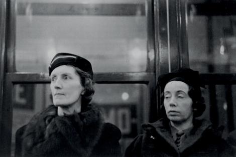 Subway Portrait (retrato en el metro). | Walker Evans Archive