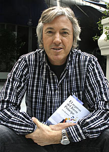 El escritor Alejandro G. Roemmers.