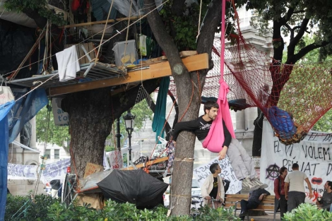 La actitud de los acampados dista de ser la de acabar con la ocupación. | D. Umbert