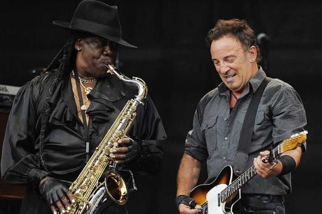 En un concierto de 2009, Clarence Clemons junto a Springsteen   Ap