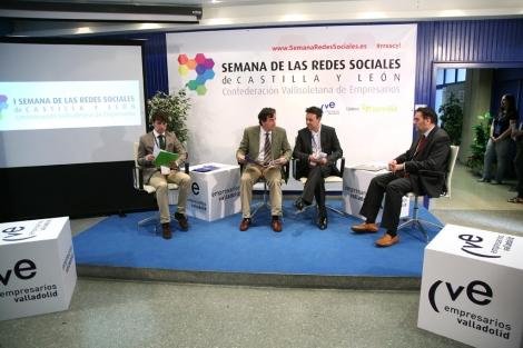 El presentador de infomativos Telecinco inauguró la Semana de las Redes Sociales. | Ical