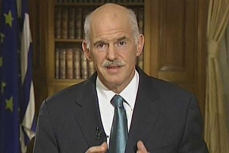El primer ministro griego, Giorgios Papandreu, en su comparecencia televisiva. | AP