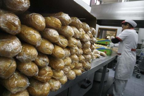Reparto de comida en un comedor social de Valencia.| José Cuéllar