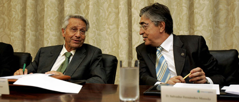 Julio Fernández Gayoso y Salvador Fernández Moreda, en el consejo. | R.G.