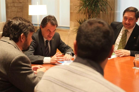 Pelegrí (derecha) y Mas, en una reunión con Unió de Pagesos. | Domènec Umbert