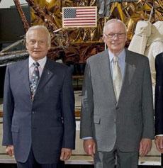 Buzz Aldrin y Neil Armstrong, en 2009.|AFP