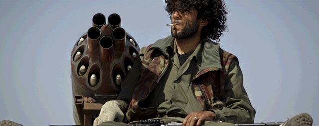 Un rebelde libio descansa en Misrata. | AP