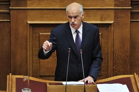 Papandreou se dirige a los parlamentarios griegos. | Afp
