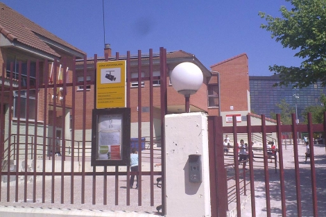 Imagen del centro afectado por el brote en Alcobendas. (R. Bécares)