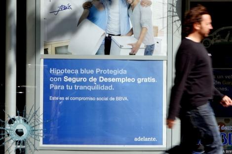 Campaña publicitaria para comercializar hipotecas de un banco español.   José Aymá