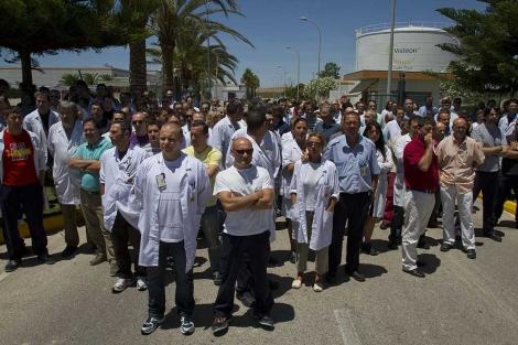 Protesta de los trabajadores del turno de mañana de Cádiz Electrónica, S.A. | Efe