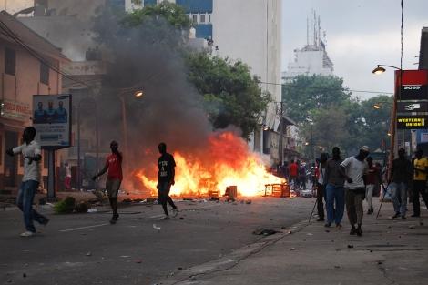 Los disturbios se han extendido a lo largo de Dakar. | Carolina Valehíta