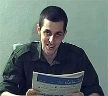 El secuestrado, en un vídeo en 2009.| Reuters