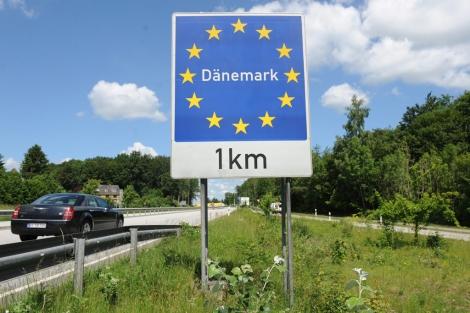 Cartel que anuncia la frontera entre Dinamarca y Alemania. | Efe