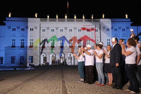 Celebración de la presidencia de Polonia con el Palacio Presidencial iluminado.|Pawel Supernak