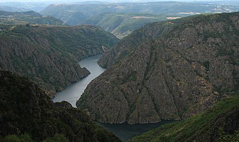 Vista de la Ribeira Sacra, que cuenta con nuevas amenazas. | M. M.