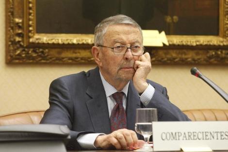 Alberto Oliart, durante una comisión de control a RTVE. | Óscar Monzón
