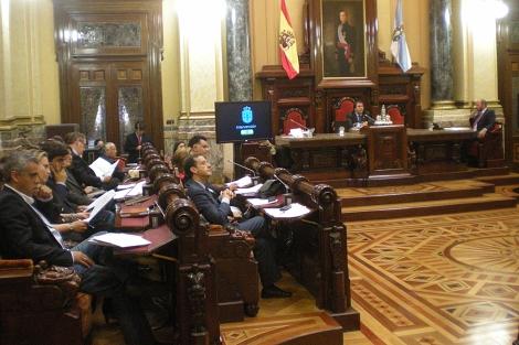 Un momento del pleno en el Ayuntamiento de A Coruña.   M. N.