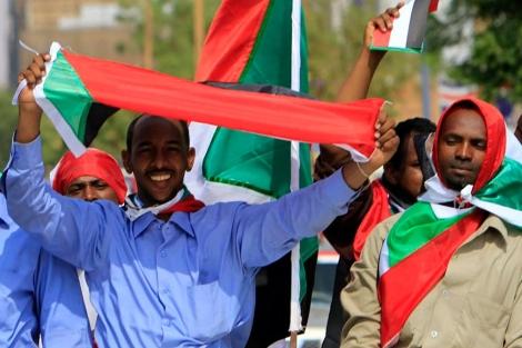 Celebraciones en Sudán del Sur por la llegada de la Independencia.   Foto: Afp