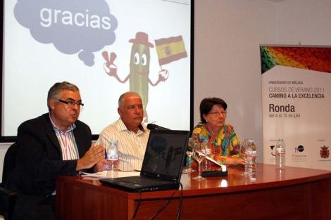 Gregorio Varela, Pedro Fernández y Gloria Urbano.   Romero