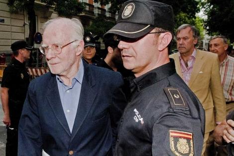 El presidente de la SGAE, en el momento que acudió a la Audiencia Nacional detenido.