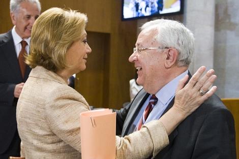 Rudi con José Ángel Biel.   Efe