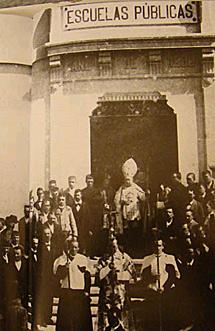 Escuela Matías López, de Sarria (1896)