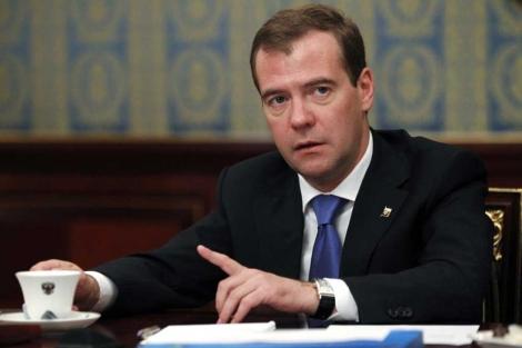 Dimitri Medvedev durante una reunión en Moscú. | Afp