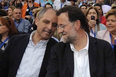 Camps y Rajoy, en un acto electoral en Valencia. | Afp