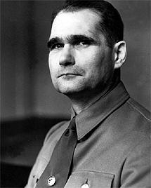 Rudolf Hess en su etapa nazi.  AFP