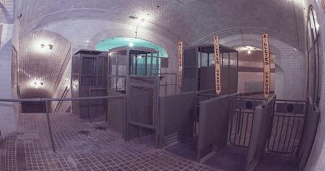 Tornos de acceso al metro| Museo-estación